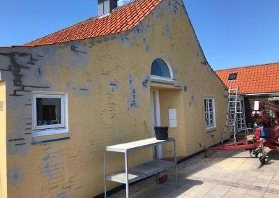 Gavl repareret og malet efterfølgende med Keim maling.