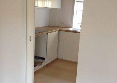 Lejlighed total renoveret med nye gulve/skydedør og nyt køkken fra Ikea.